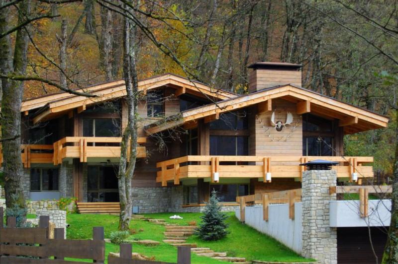 """<span class=""""title"""">Можно ли построить дом из дерева?</span>"""